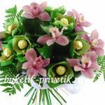 Букет из конфет и орхидей